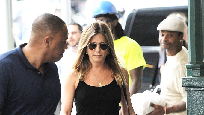 Jennifer Aniston scrie un eseu