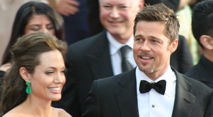 Angelina Jolie divorteaza de Brad Pitt