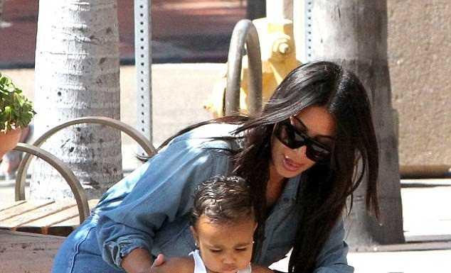 Kim Kardashian a nascut