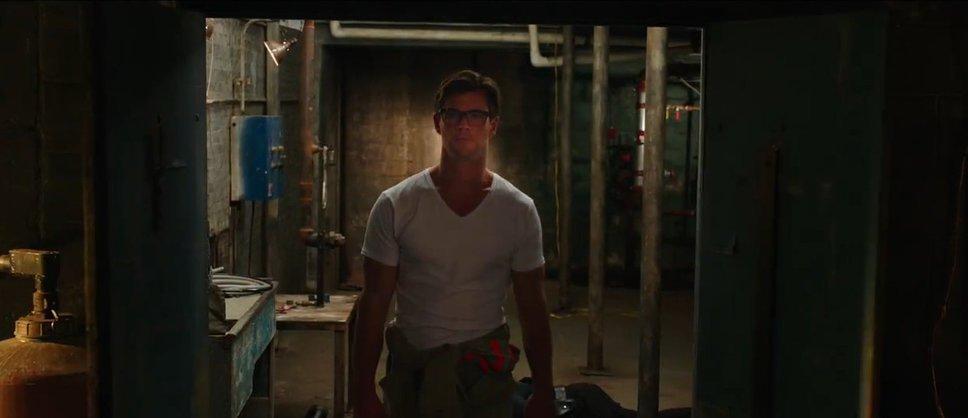 Still of Chris Hemsworth in Ghostbusters (2016)